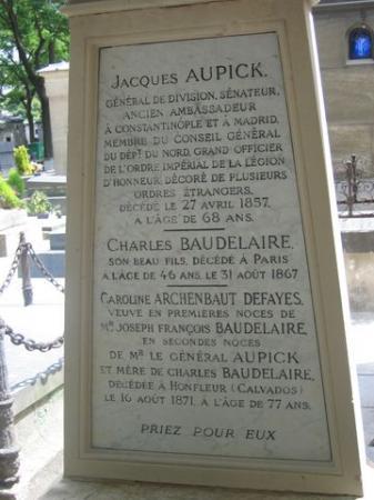 Encore la tombe de Baudelaire